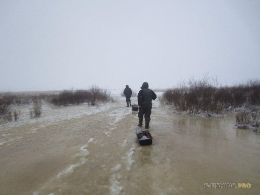 Отчеты с водоемов: Отчёт о рыбалке 24.12.2017 Ладога, пос. Чёрное, блеснение и безмотылка