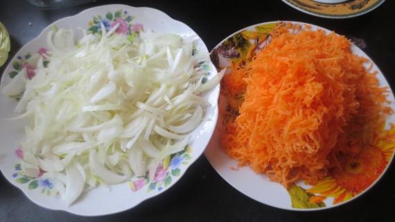 Рецепты: Запеченная рыба с овощами в духовке