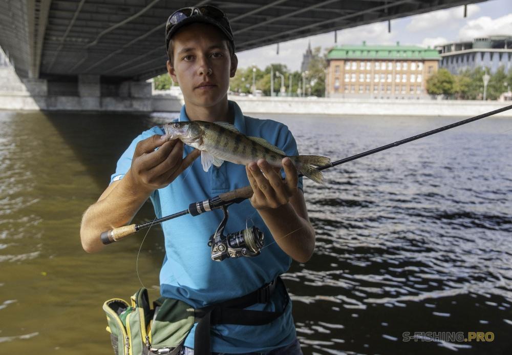 Кто ловил рыбу в москва реке