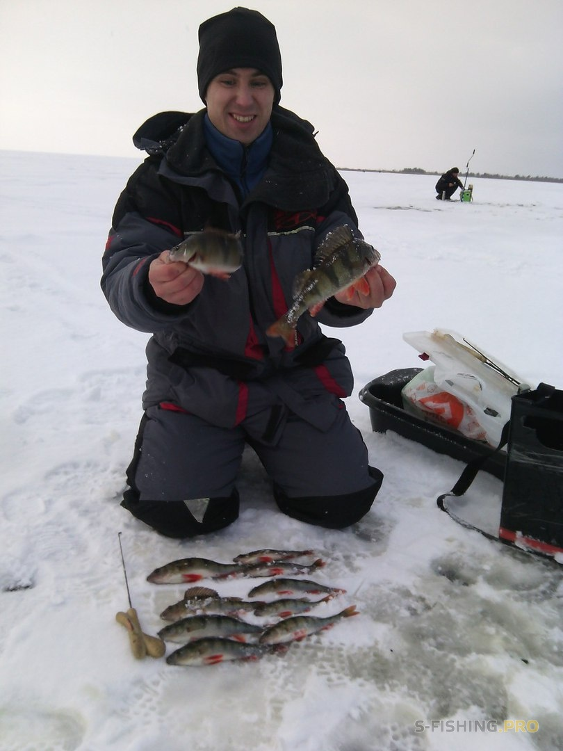 Рыболовная база в январе