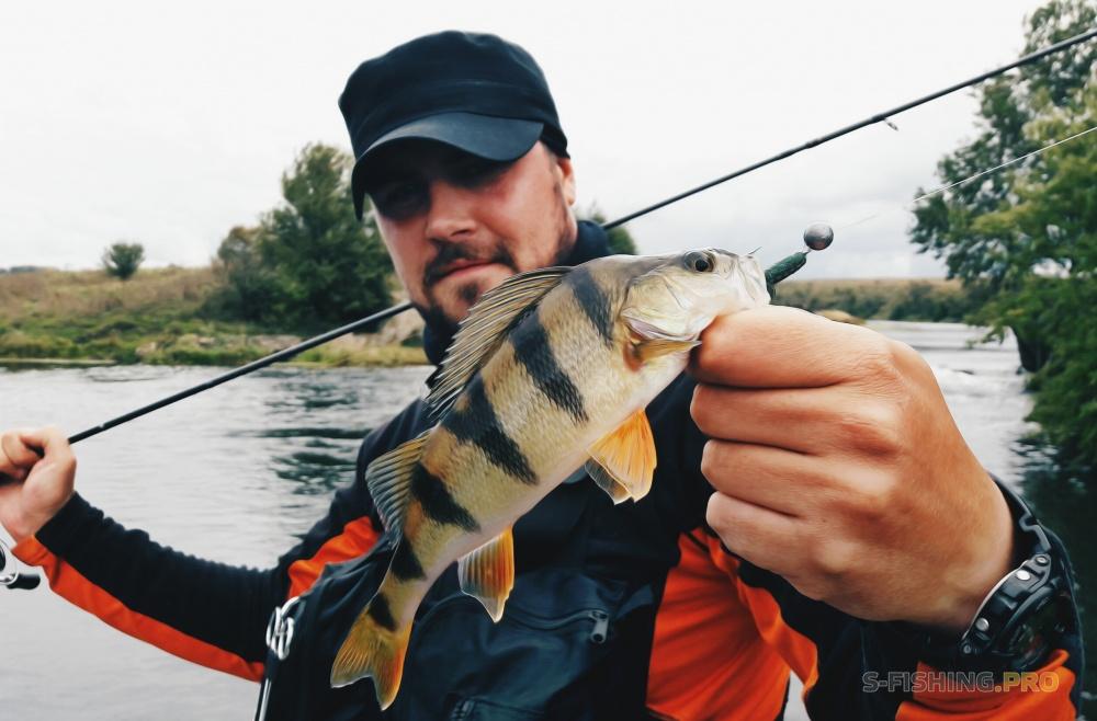 рыбалка в октябре видео с берега