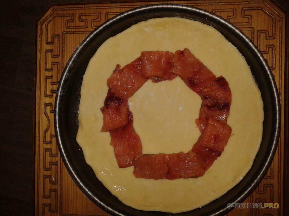 Рецепты: Форелевый пирог пальчики оближешь