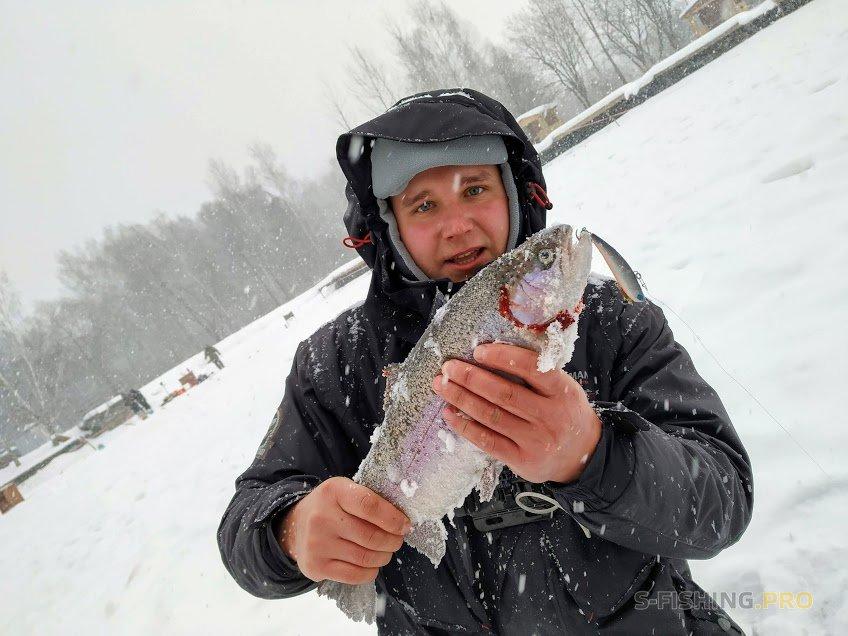 Отчеты с водоемов: Ловля форели со льда на раттлин