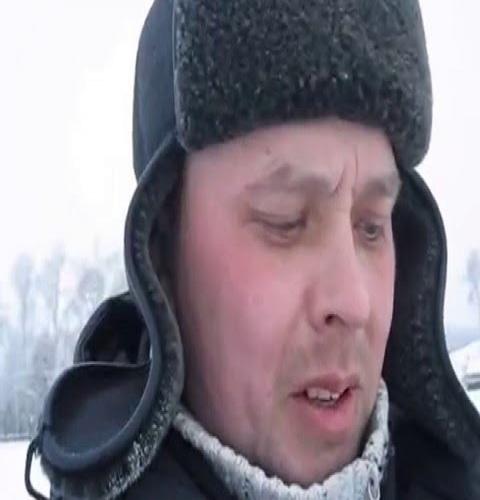 Рыбалка на Урале посёлок Черноисточинск. Накормил собачку рыбой.