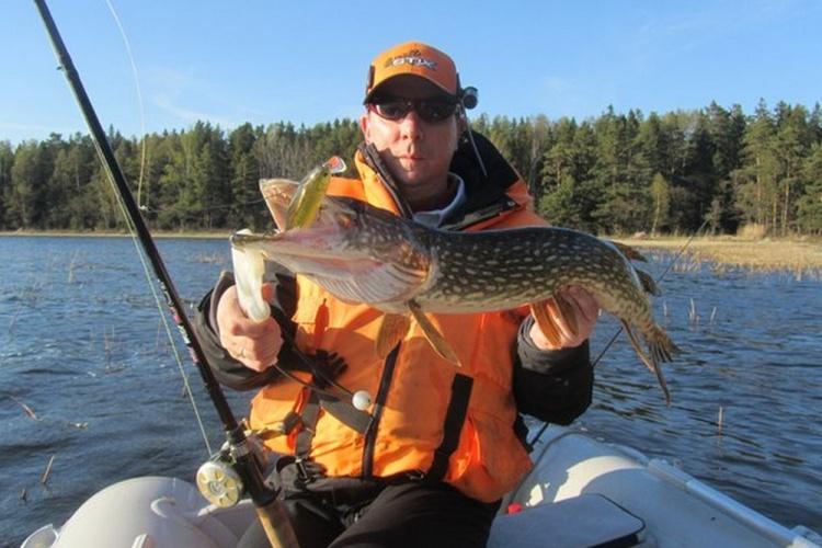 Эксперт проекта Lucky Craft Team Russia Алексей Татарчук снова на рыбалке.