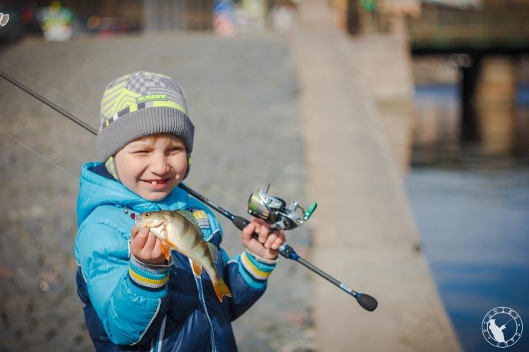В поисках окуня. Street Fishing СПб.