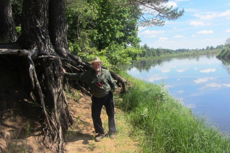 """На пути """"из Петербурга в Москву"""" есть река Молога. Мы там рыбачили."""