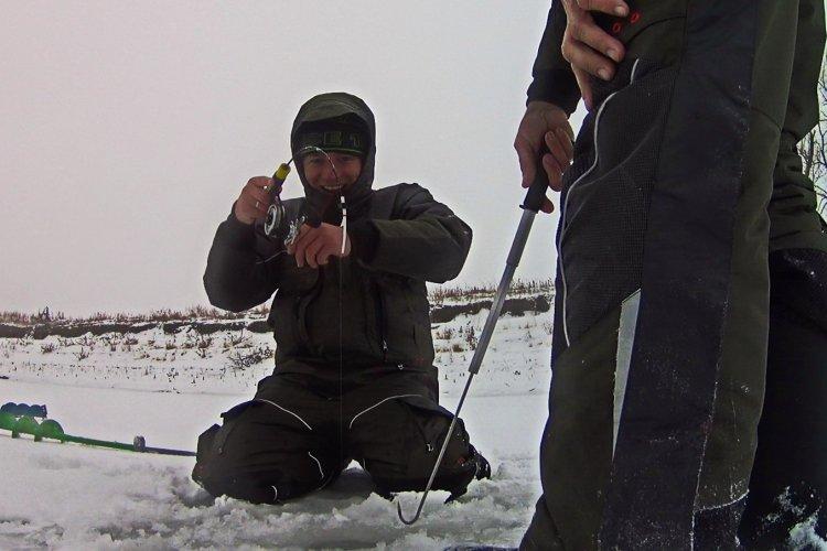 Ловля судака на вибы зимой. Рыбалка после Нового года