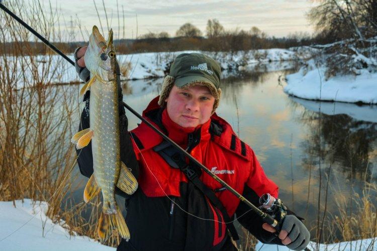 Первая рыбалка со спиннингом в новом году